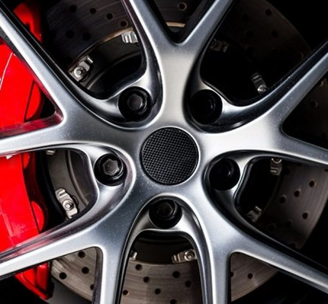 https://www.menaceautostylin.com.au/wp-content/uploads/2020/10/top-5-best-brake-caliper-paints-670x620.jpg